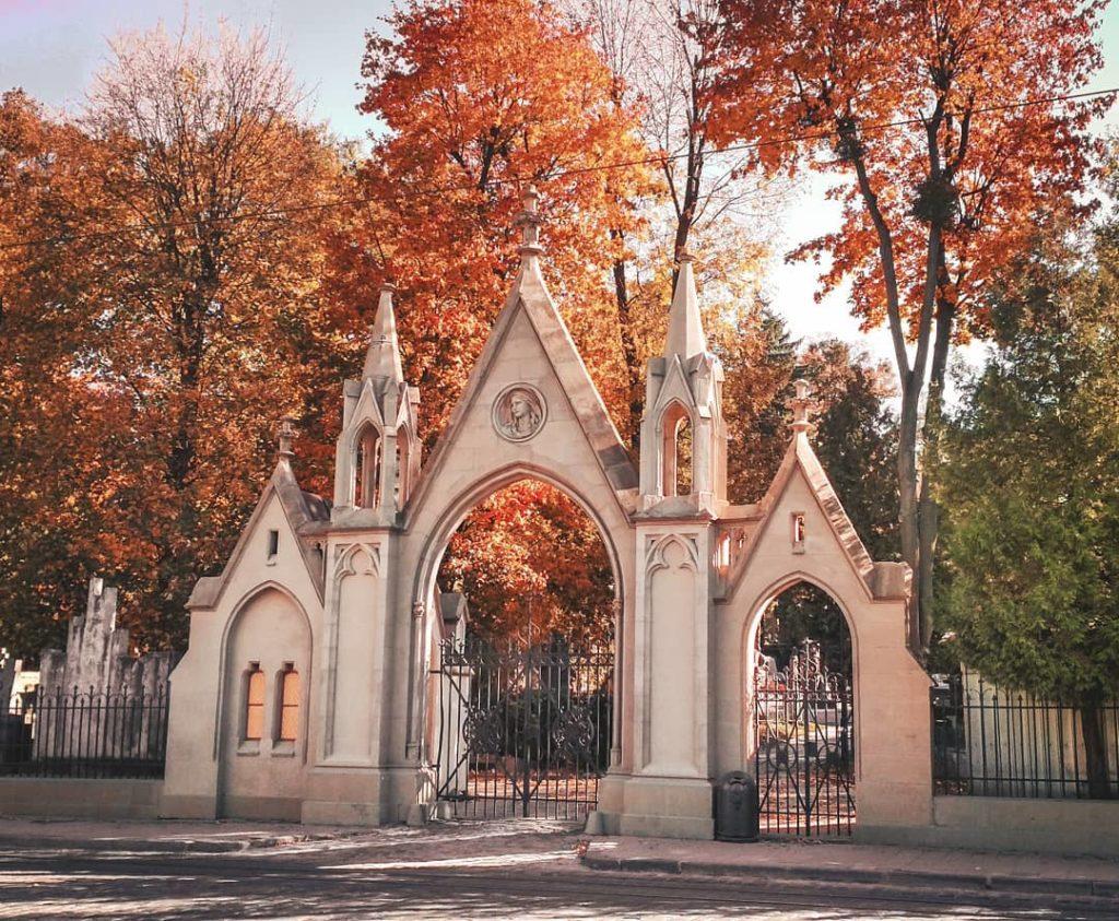 Экскурсия Лычаковским кладбищем