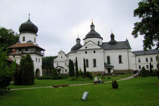 Монастирська обитель
